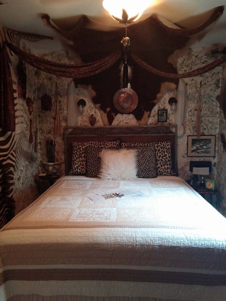 Queen size bed ceiling fan fireplace and air conditioned in the summer. Private bath and bring your African imaginations. Alarm clock bottled water ... & Accommodations - Oasis Bed u0026 Breakfast